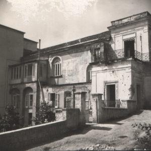 1947-La villa danneggiata dalla guerra
