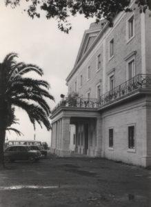 1960-La facciata è completamente ristrutturata