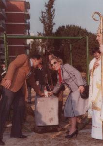 1982-Posa della prima pietra Parrocchia