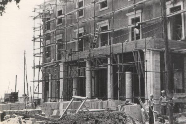 1975 ristrutturazione
