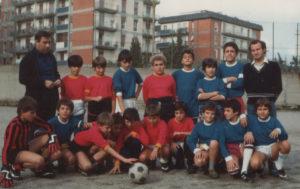 1986-Squadra di calcio apostolini