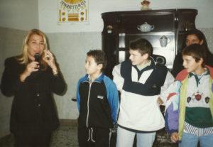 1998-L'attrice Lucia Cassini viene a trovare i nostri ragazzi
