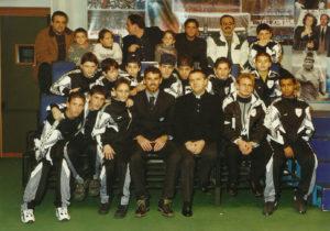 2000-Il calciatore Stellone con i ragazzi Antoniani